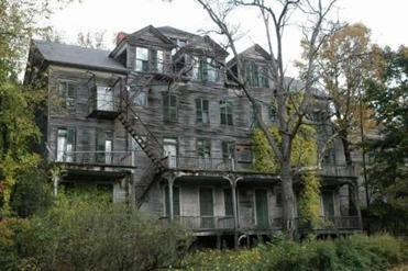 Explore The Dark Side Of New England With 50 Spooky Sites